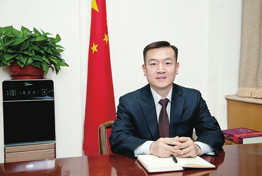 天桥区委书记刘程华 区委副书记、区长窦虎 以良好营商环境加快新旧动能转换