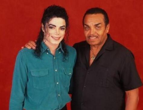 拒绝儿女探望!迈克尔杰克逊父亲病逝 曾一手成就了天王巨星