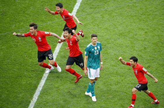 韩国解说拼到飙鼻涕!德国女球迷哭成泪人 这都是一场球闹得