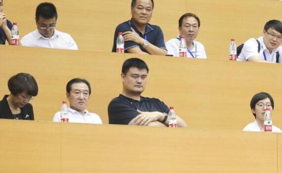 姚明观战世预赛 中国客场对阵新西兰队比赛打响