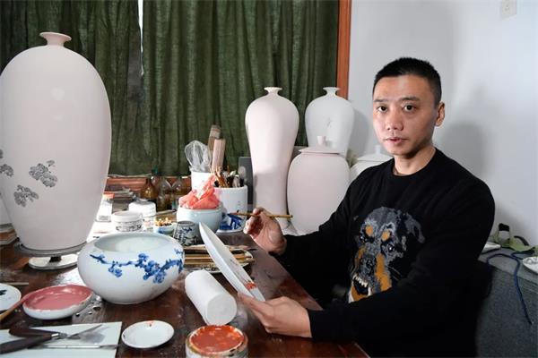 瓷心 瓷情 瓷意  赏余效龙陶瓷艺术