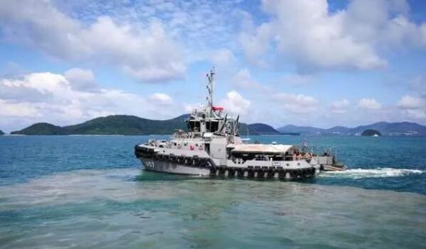 首批幸存者回国 普吉岛翻船事件幸存者与家人团聚