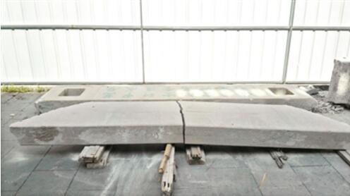天大的教训!搅拌车撞裂牌坊 0.5毫米宽的裂缝维修费竟需126万