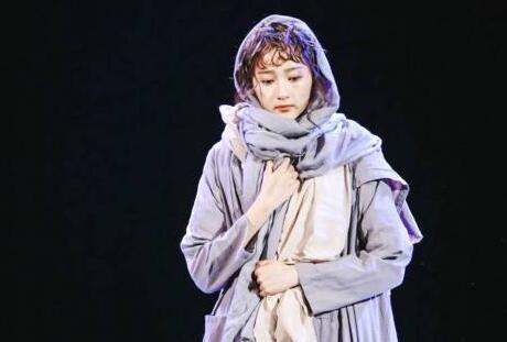 关晓彤期末汇报演绎《复活》经典片段 玛丝洛娃历经沧桑精神复活