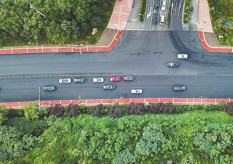 """旅游路改造提前22天完工 济南再添一条""""高颜值""""景观大道"""