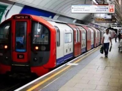 乘客快热死了!伦敦回应空调车 这个工业老城的75辆列车已服役25年