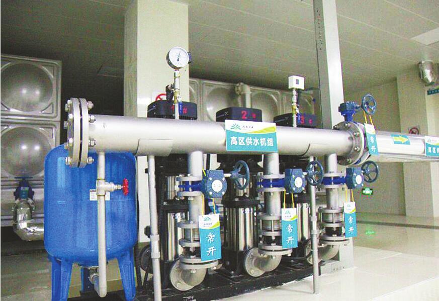 """今年400处二次供水设施配""""管家"""" 济南水务接收改造后一年进行两次专业清理消毒"""