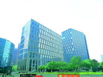 济南舜泰广场一业主477.4万买办公楼...
