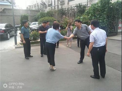 临邑县考察团到山大路街道利农社区养老服务中心参观