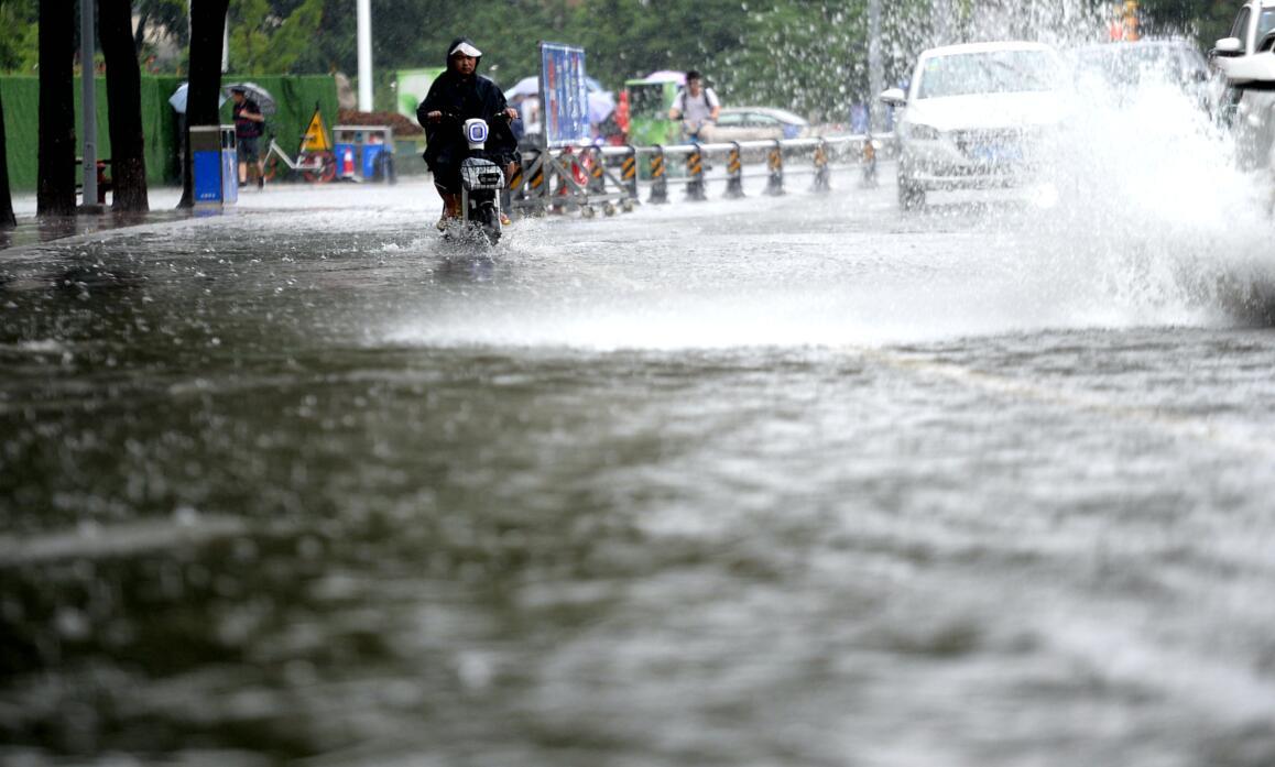 台风带来强降雨 最大降雨达241.5毫米