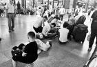 北京站候车设收费休息厅引争议