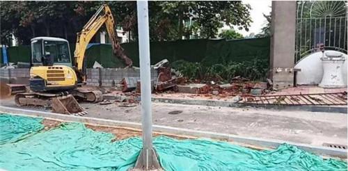 开拆!福润社区彼岸新都院墙及附属设施今日拆除