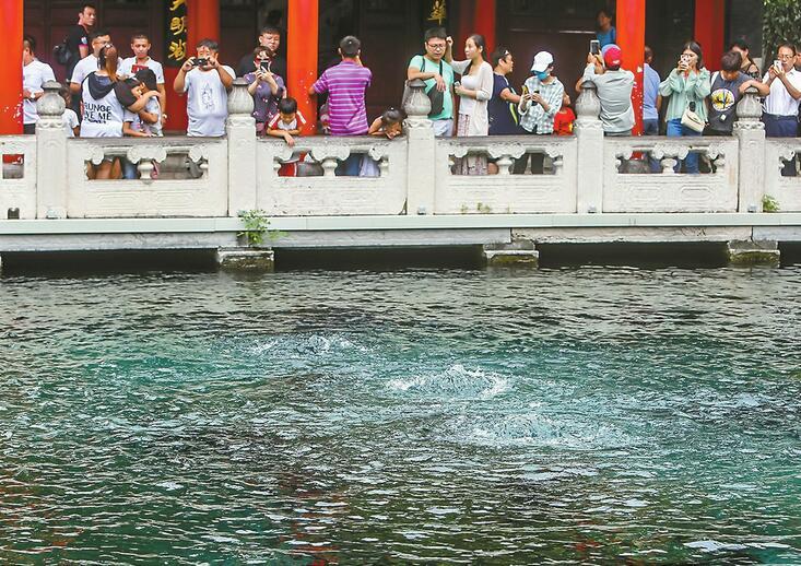 ��南首�镁慈�大典6日�⒛� 十位泉水使者今起赴十大泉群取水