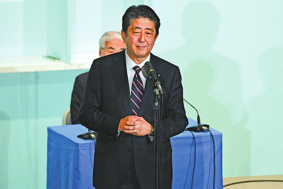 安倍晋三连任自民党总裁