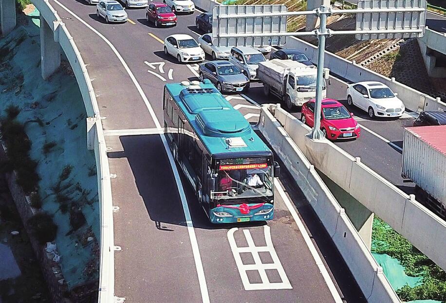 BRT9号线开通试运行 这是首条走...
