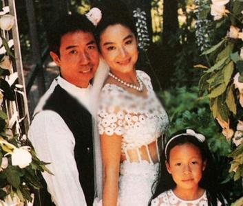女神惨遭劈腿?林青霞被曝离婚 好在有20亿港币赡养费略表安慰
