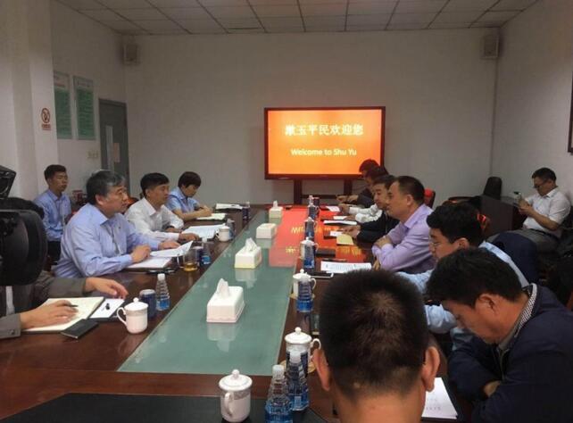 区委常委、常务副区长张庆国一行到山大路街道办事处走访重点企业