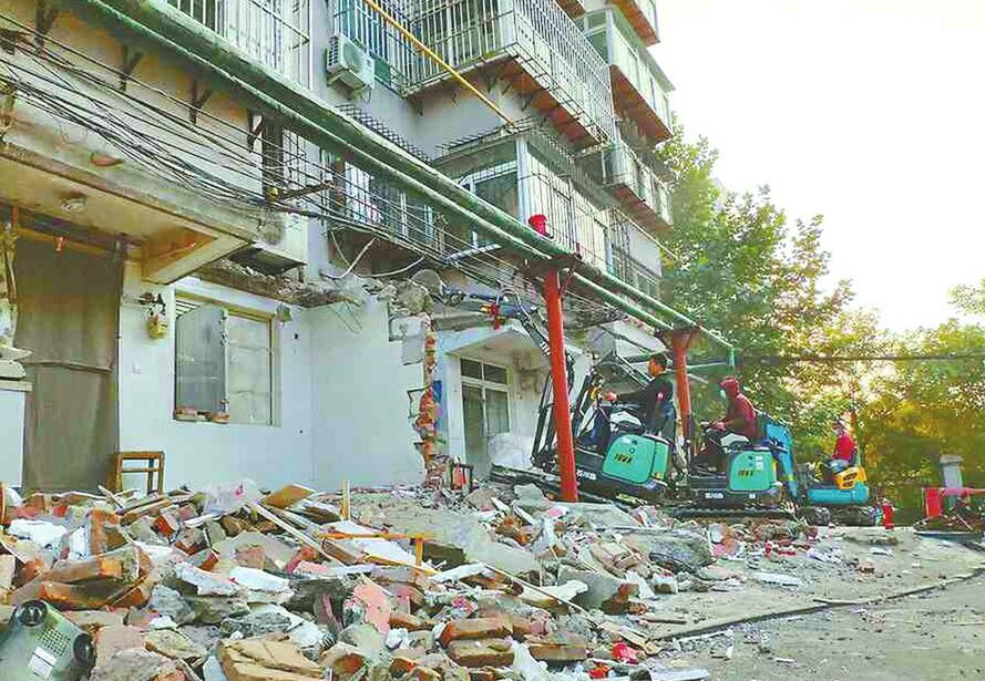 二七新村街道拆除梁北社区103处、2070平方米违建