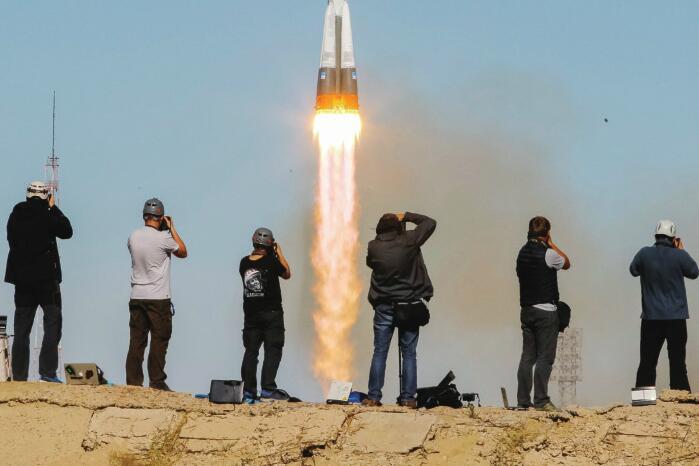 俄载人飞船发射失败 俄美两名宇航员紧急着陆生还
