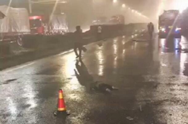 惨痛车祸发生!常州货车公交相撞 交车被拦腰撞上多人伤亡