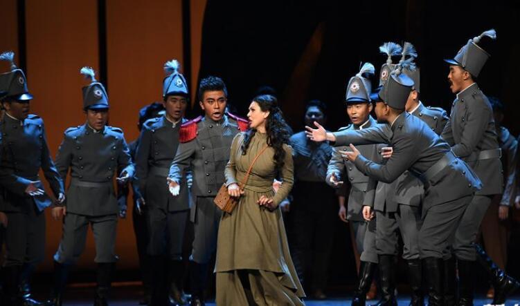 中法合制歌剧《卡门》在陕西大剧院首演