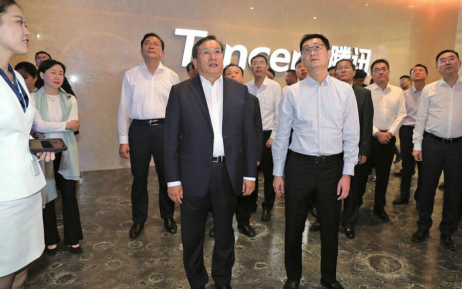 济南市党政代表团赴深圳学习考察