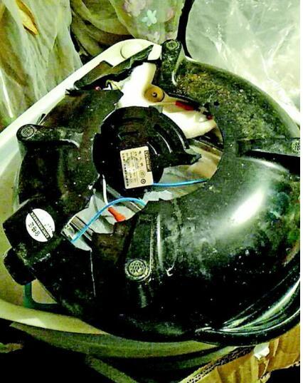 扎心了!济南中通快递电饭锅 到货锅底都掉了
