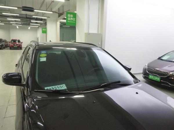11月1日,瓜子二手车严选直卖店继续出售退回的事故车,截至4日记者发稿时,线上平台仍未下架该车相关信息。