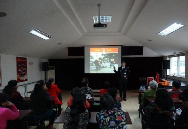 大明湖县西巷社区开展消防知识培训 让居民正确应对火灾