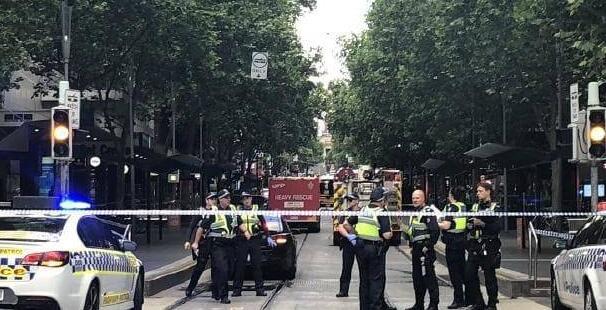 汽车起火!墨尔本连续爆炸 一名被刺伤的受害者当场死亡