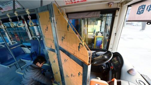 点赞!济南300多台公交驾驶室已装安全隔离门