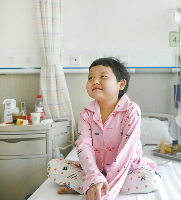 捐肝救女爷俩出院!儿子14岁就因同样的病夭折 不能再失去7岁的女儿
