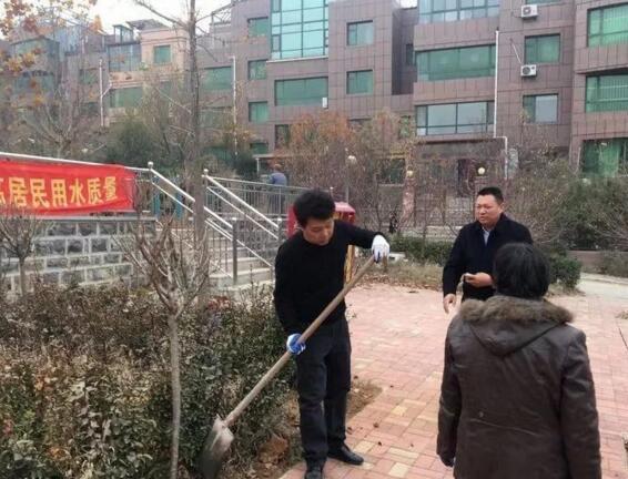 港沟街道开展社区绿化活动 为城市文明添色彩