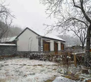 济南五彩山村的冬