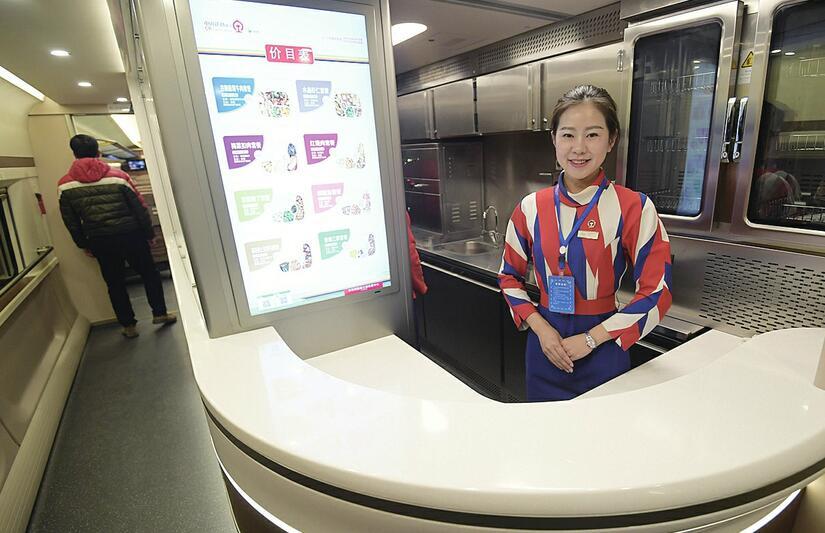 """83分钟速度与""""济青"""" 记者跟随试验列车体验济青高铁全新速度"""