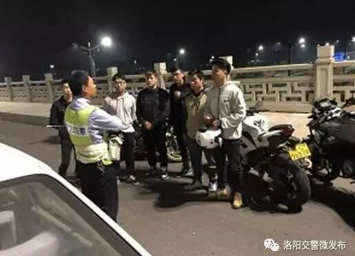 """摩托车手害怕了?上海炸街族罚单 """"噪音扰民""""行拘15日罚款6500元"""