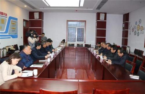湖南省保靖县人大来历城区考察学习