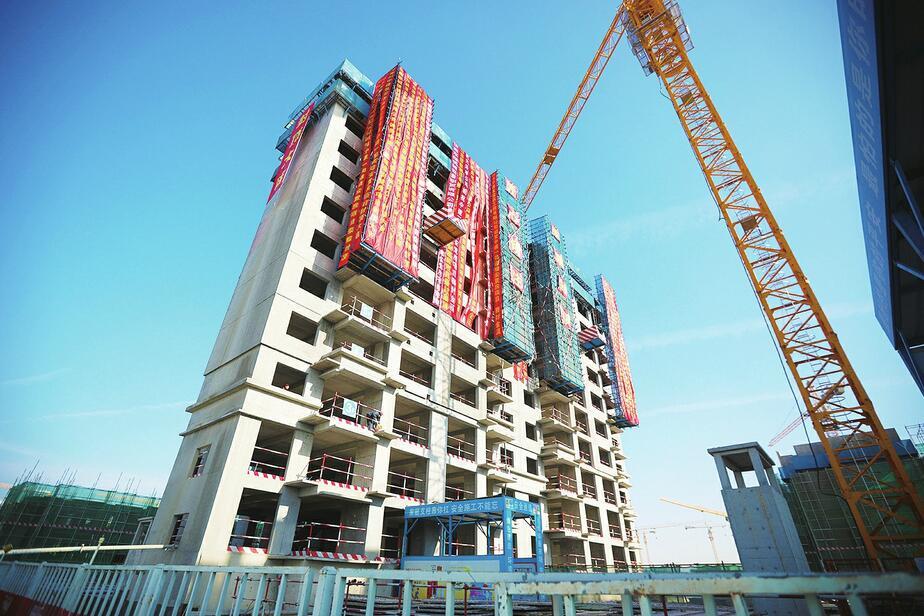 山东规模最大装配式安置房项目首栋单体封顶