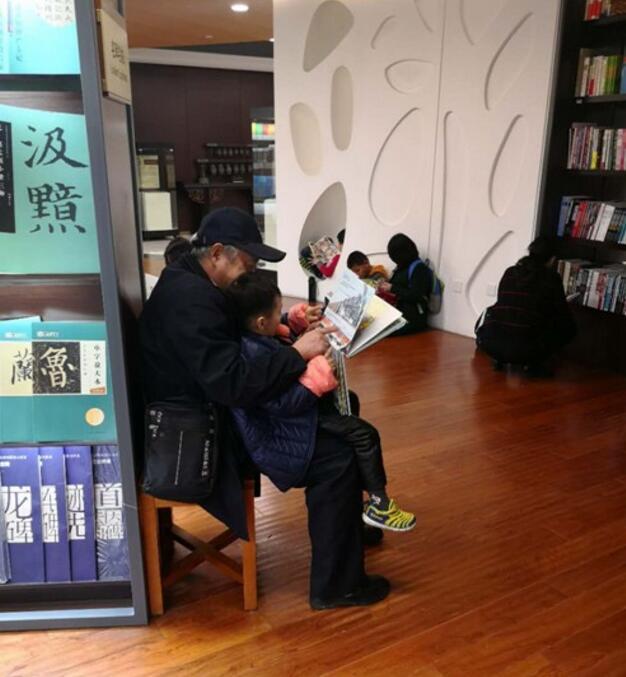 """历城首届文化惠民消费季为群众送""""过年礼啦"""""""