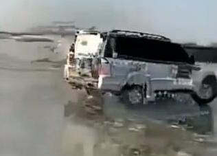 真相曝光震惊了!汽车驶上冰面坠河是怎么回事?两人溺亡事件还原