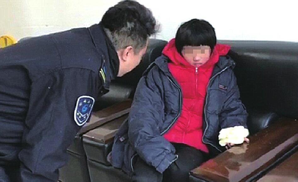 [温暖泉城] 7岁娃独自坐公交 热心市民齐照看