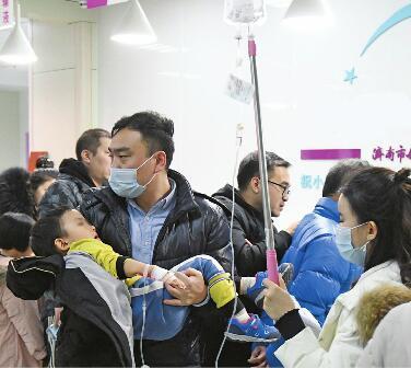 这波流感来势汹汹!济南有医院连增两个儿科门诊 有药店抗病毒药物卖断货