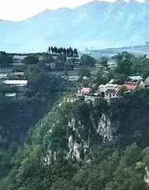 莱芜齐长城下的古村