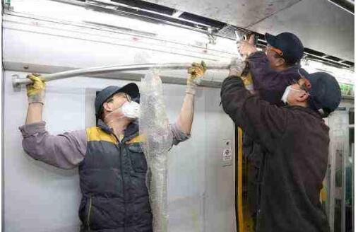北京地铁拆座椅 空间变大对于这些乘客而言有什么好处呢