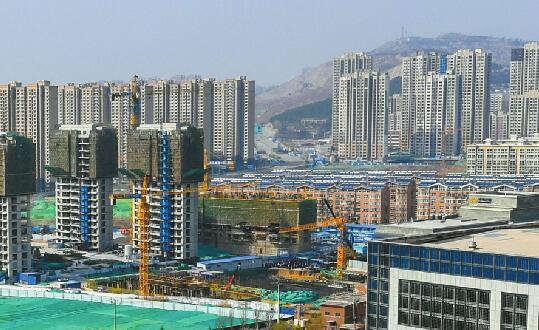 """市中区今年力争引进100个亿元以上项目开展""""六大温暖市中""""行动"""