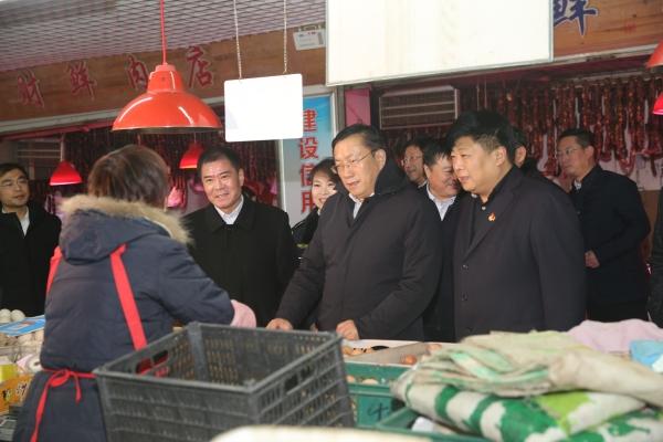 王忠林同志到历下区调研节日市场供应和烟花爆竹禁放工作