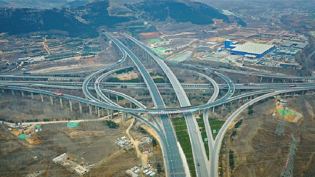 济莱高速免费,济南已有设想 人大代表建议鲁A鲁S小车免通行费
