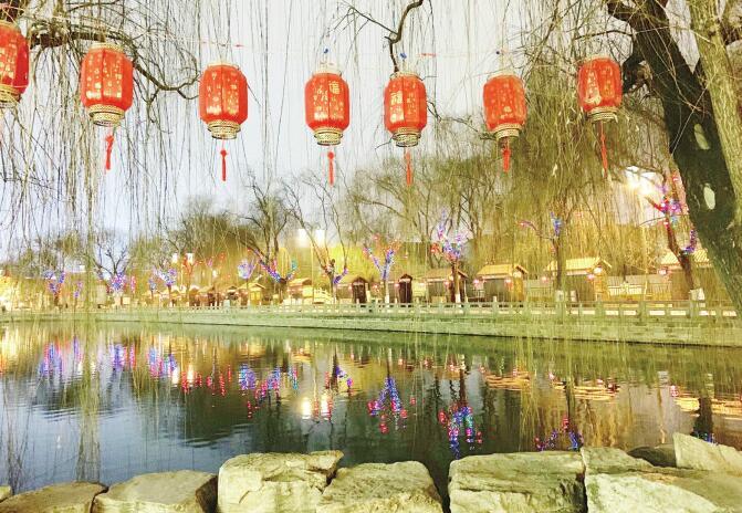 济南:点亮老城 年味更浓