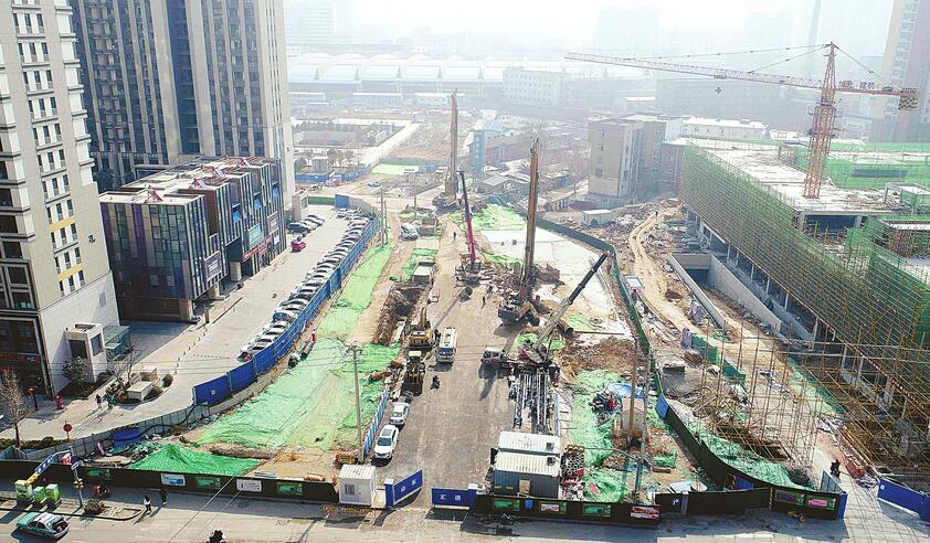 直通轨交R2线宝华街站 火车站北广场建设地下通道