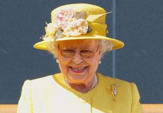英女王首次发ins 这到底是个什么梗?